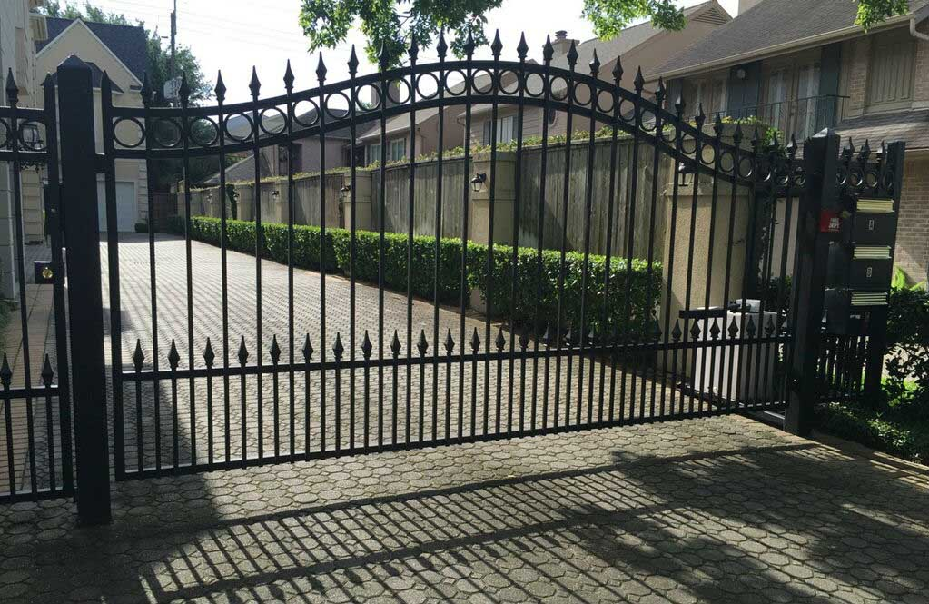 Automatic Gates Houston Tx Sentry Garage Door Amp Gates