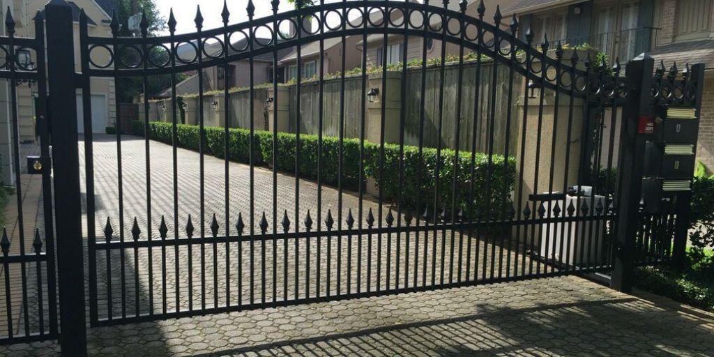 Electric gate in driveway