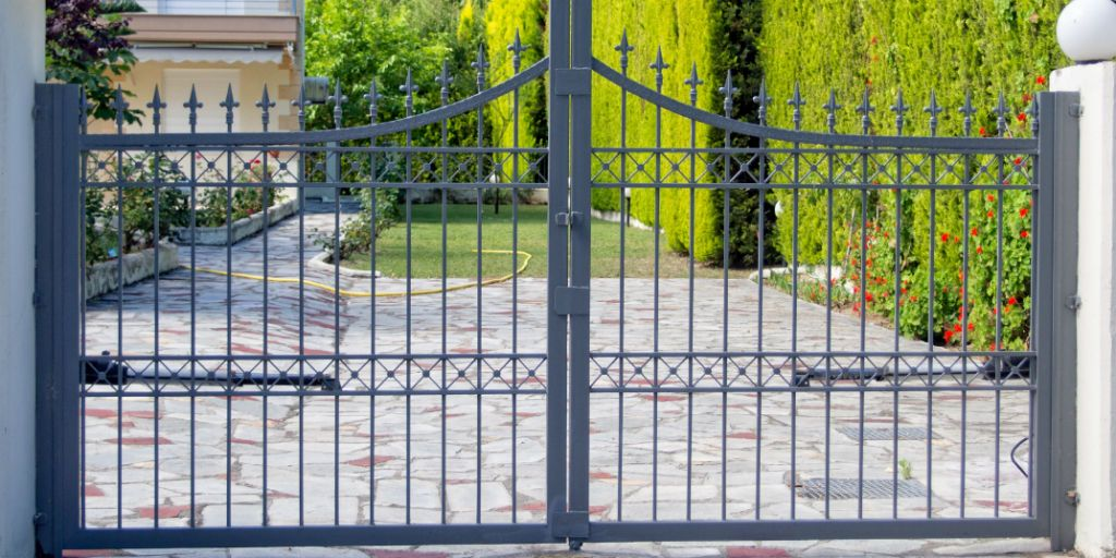 Security gate for driveway